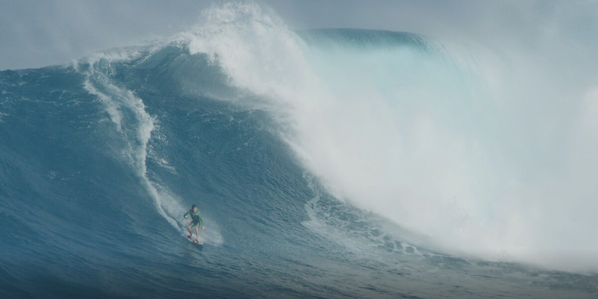 Big wave surfers say Pipeline rescue highlights importance of safety gear