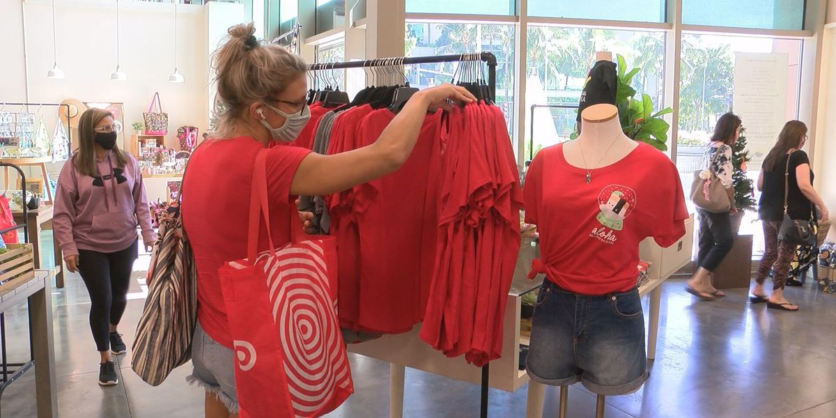 Packed malls, shoppers on a mission: Businesses balance holiday rush with COVID safety