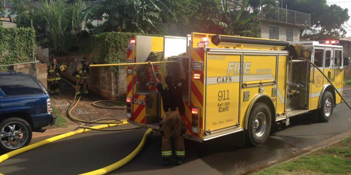 2-alarm building fire in Pearl City, dozens affected