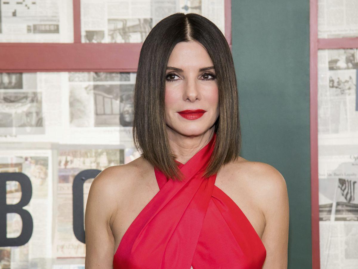Sandra Bullock's Oscars host solution: Call on random actors