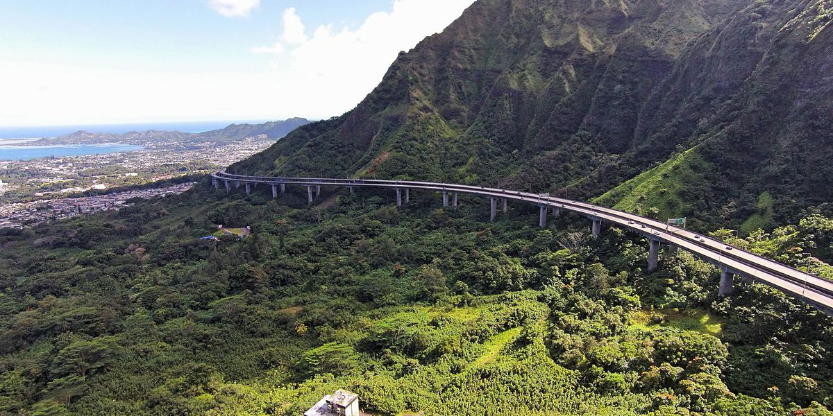 'Race to the Base' triathlon to close lanes on several major thoroughfares from Ala Moana to Kaneohe
