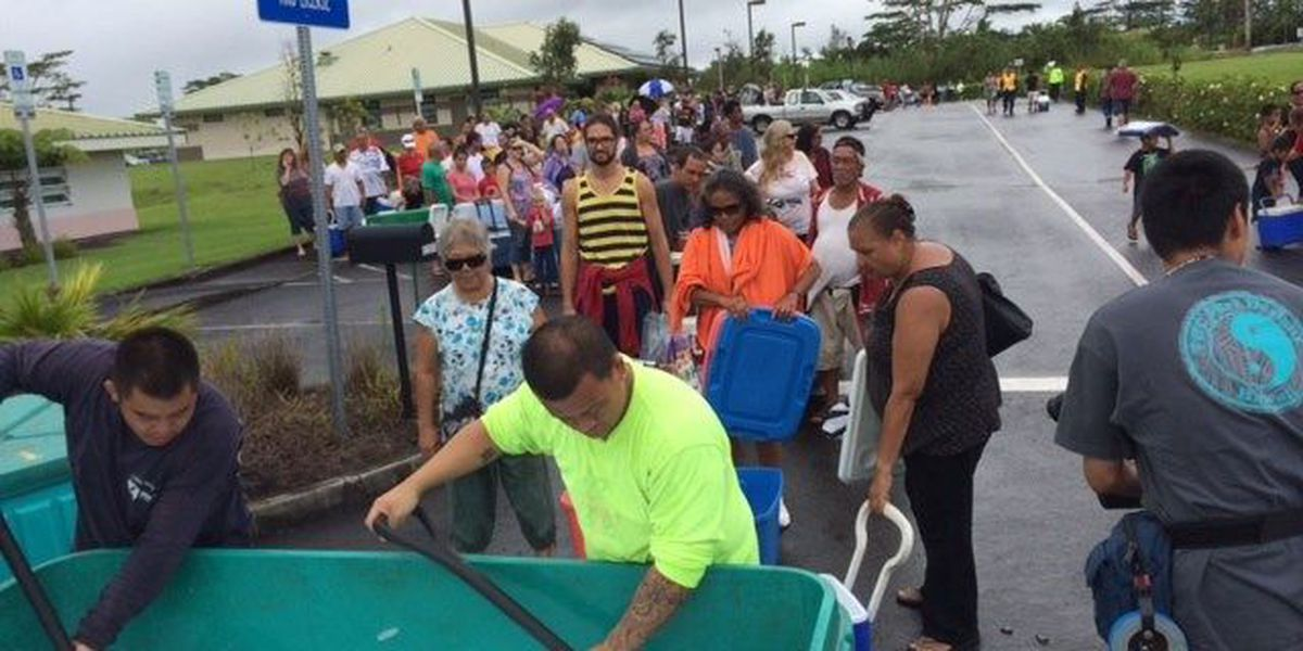 Hundreds of Puna residents line up for emergency supplies