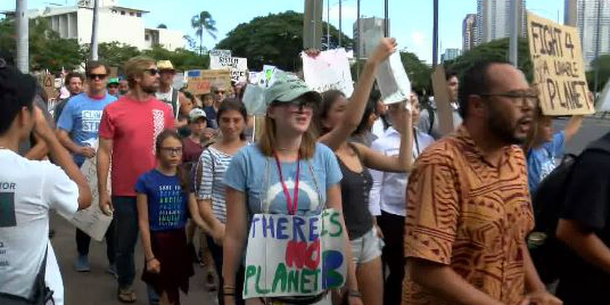 Hundreds of young climate activists 'strike' in Downtown Honolulu
