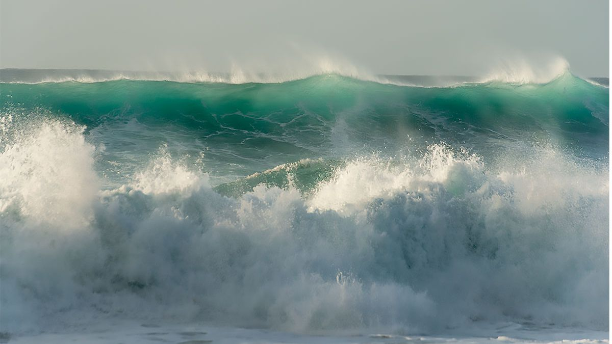 Surf slowly declining, but still dangerous on north, west shores of islands
