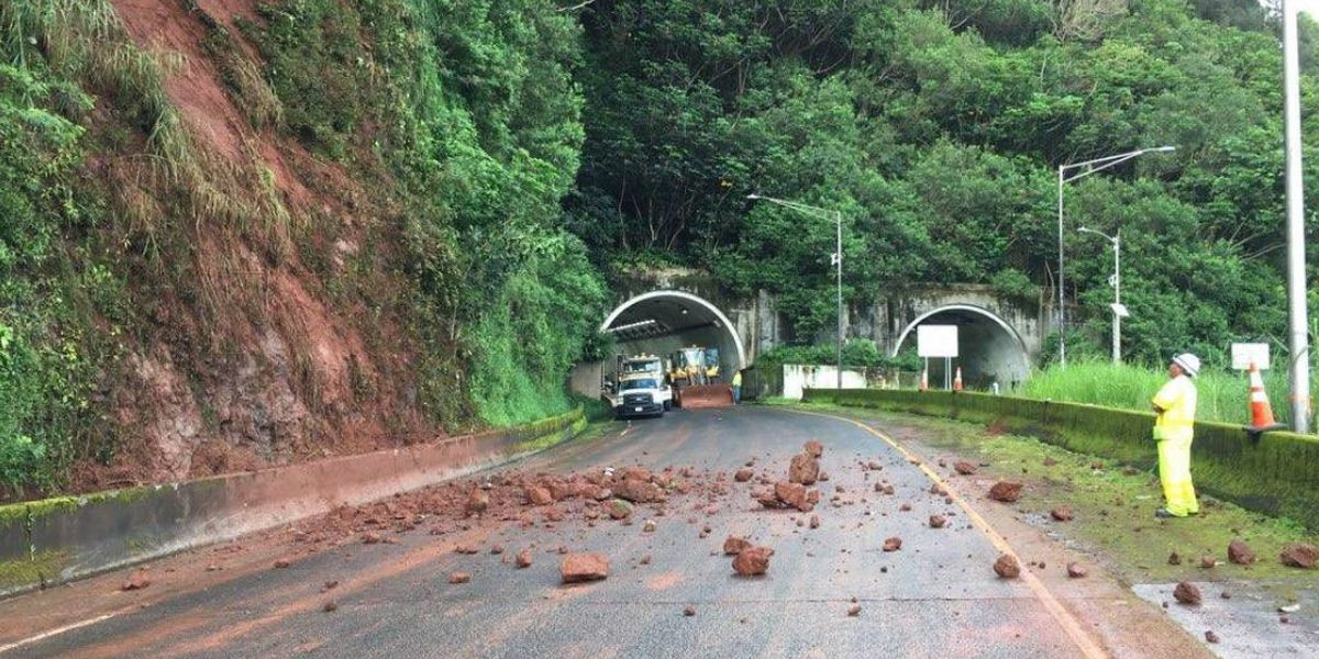 Pali Highway reopens after stormy night causes mudslide