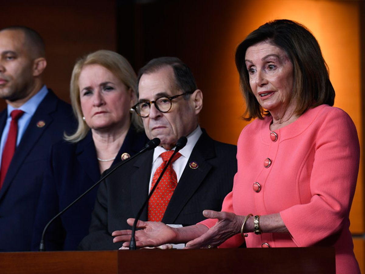 House Democrats, White House lay out arguments before trial