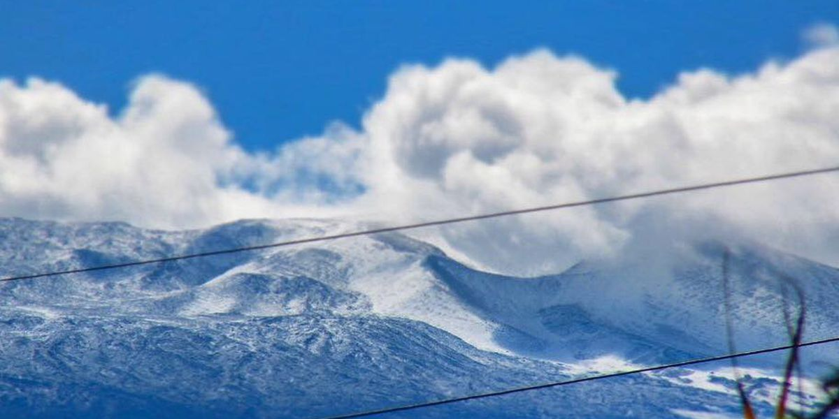 Big Island, Maui summits get snow showers — and more could be on the way