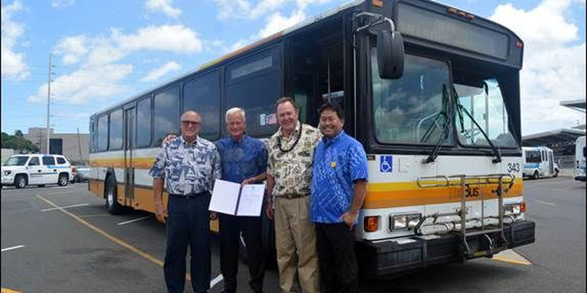 7 buses arrive from Honolulu to help troubled Hele-On fleet