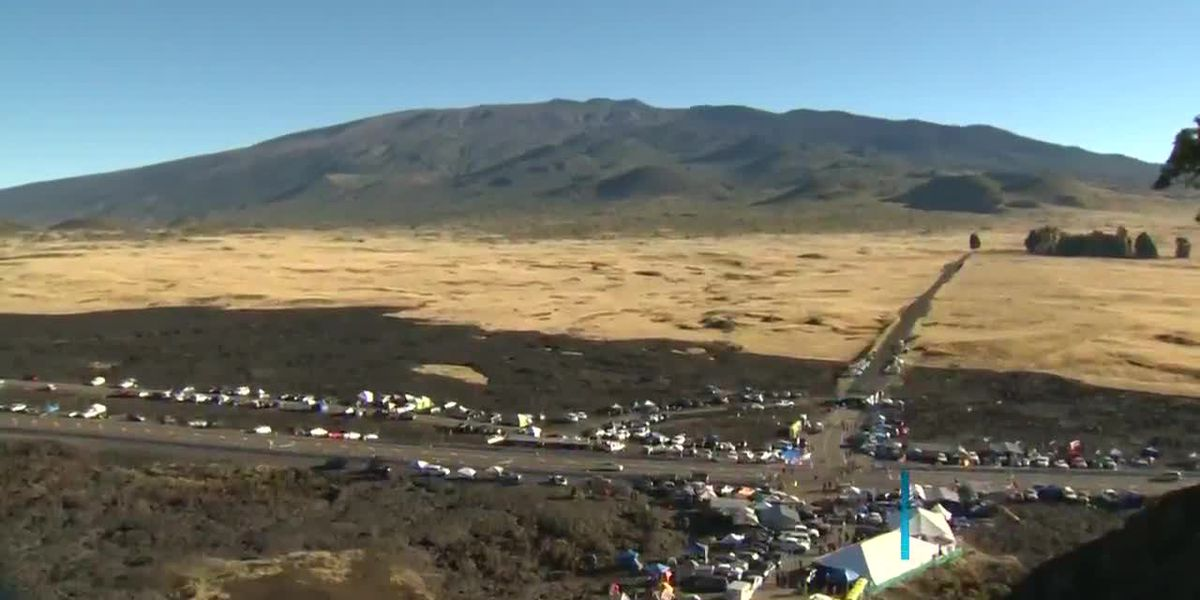 Frustration mounts as police hand out hundreds of traffic tickets at Mauna Kea