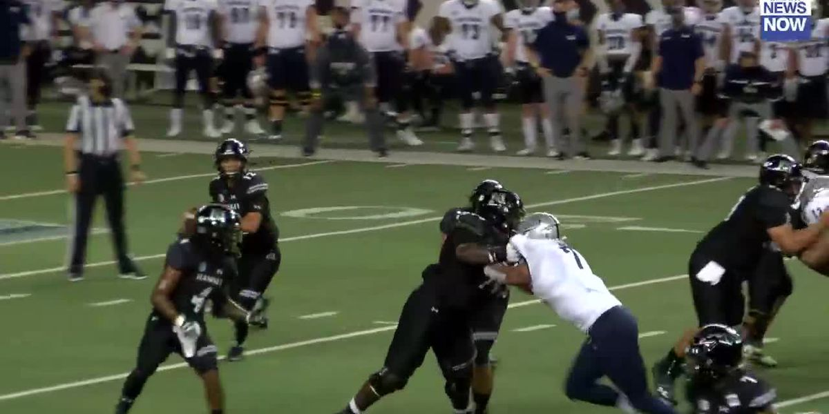 'Bows hand Nevada first loss of the season, 24-21