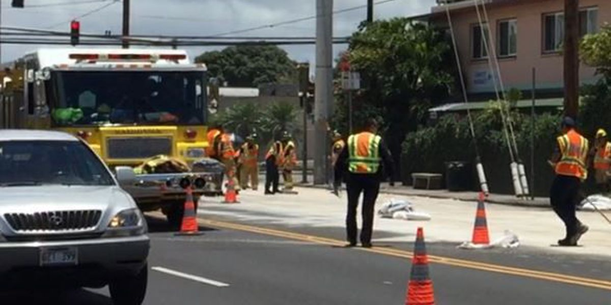 Westbound lanes of Dillingham Blvd. in Kalihi reopened after oil spill