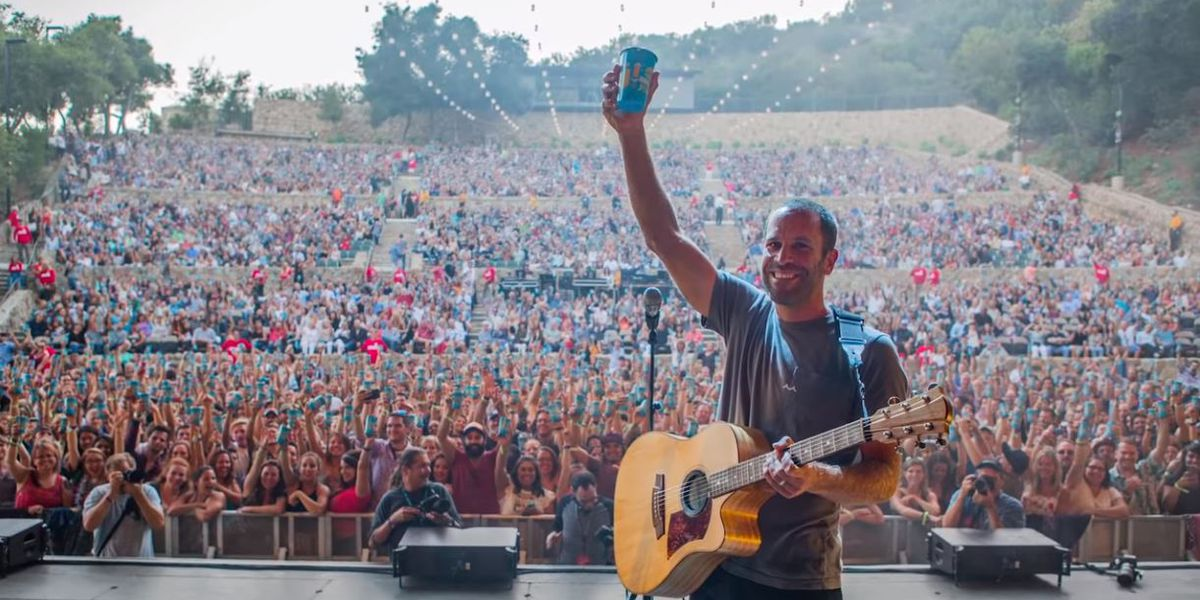 Jack Johnson joins a movement looking to reduce plastic bottles at concerts, events