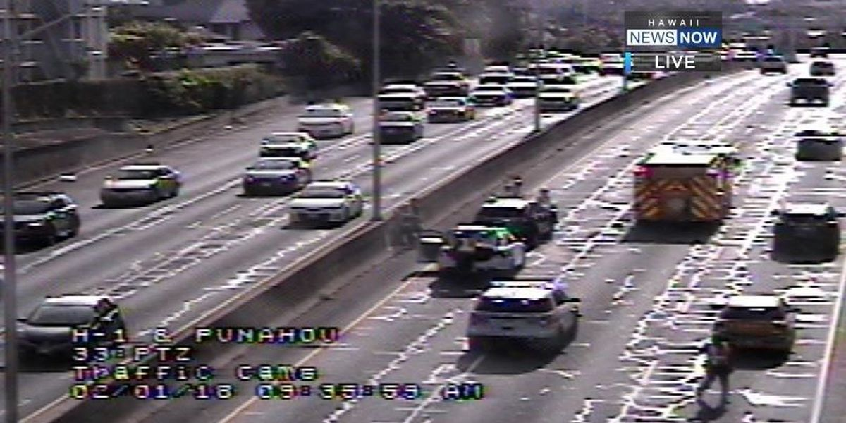 All lanes of H-1 near Punahou exit reopened following crash