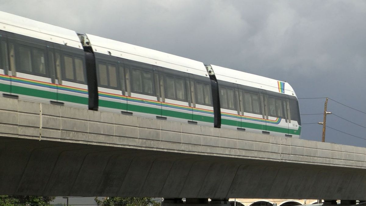 The mayoral candidates on rail: 4 top contenders say pausing project is an option