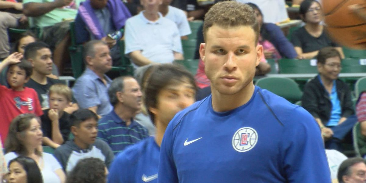 Fans delayed entry into Stan Sheriff Center for Los Angeles Clippers vs. Toronto Raptors game