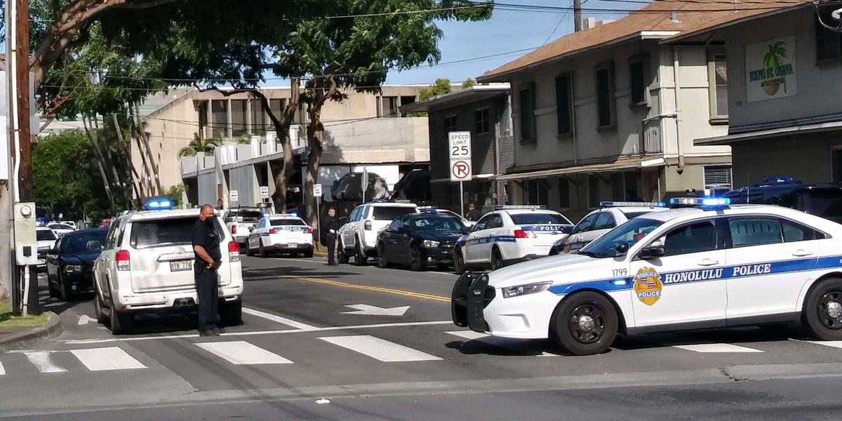 Authorities respond to barricade situation in Makiki