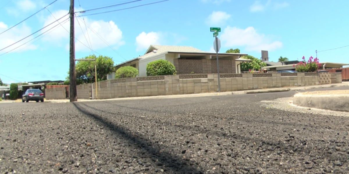 'It was hamajang': East Oahu residents sue the city over shoddy road work