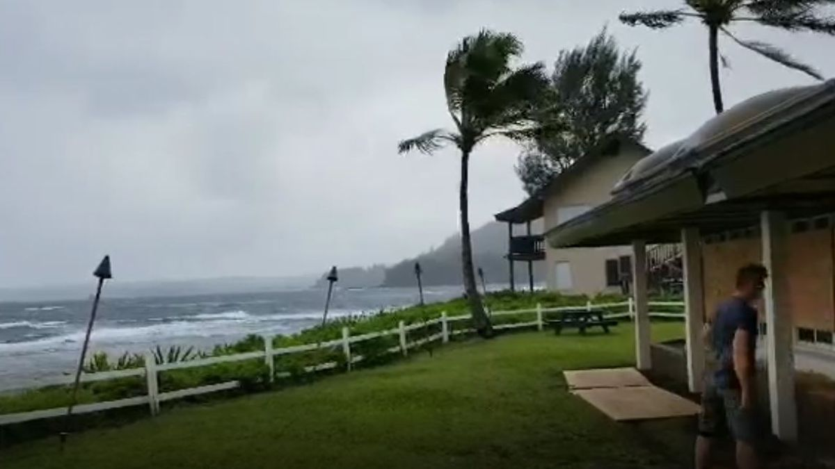 On its track just north of Hawaii, Hurricane Douglas made history