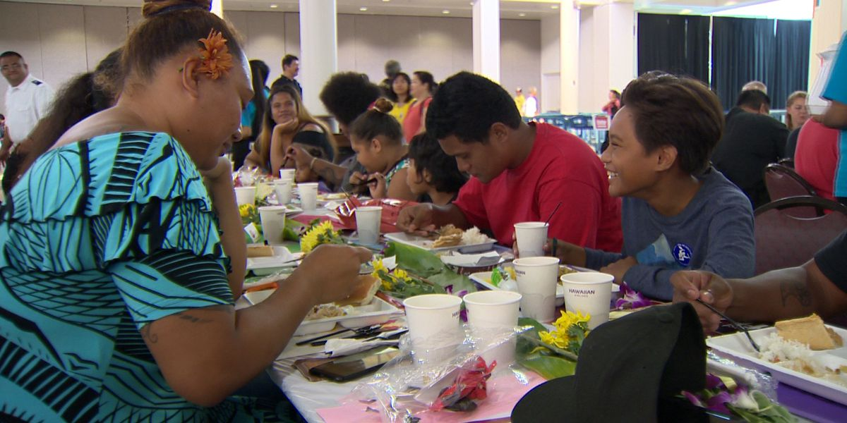 Thousands enjoy a good meal, fellowship at Salvation Army's Thanksgiving