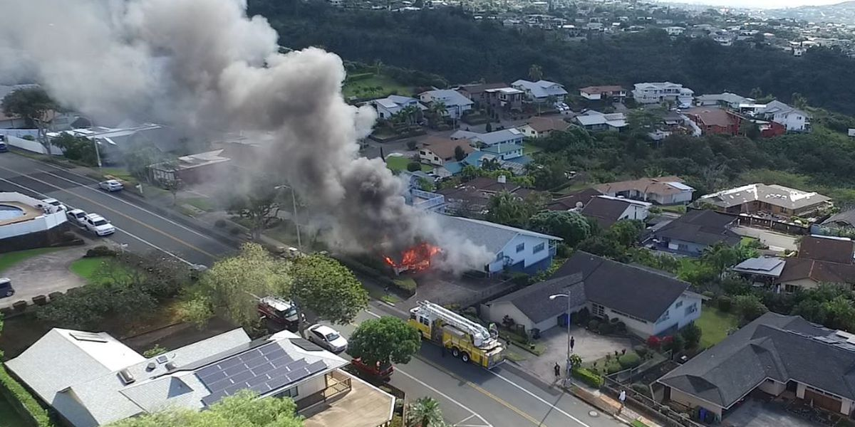 House fire causes $270K in damage to Aiea home