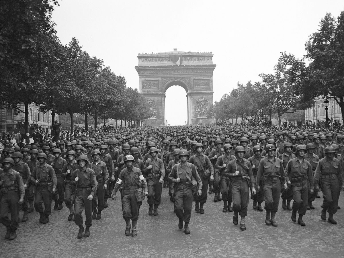 Paris celebrates its liberation from Nazis, 75 years on