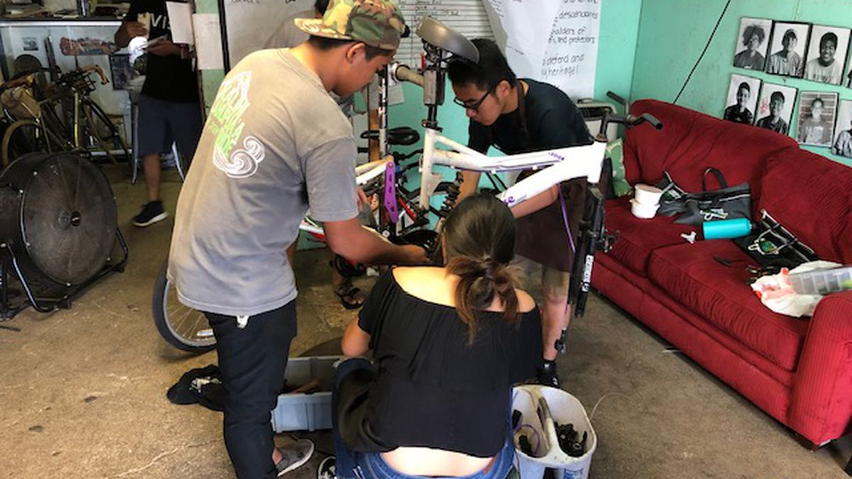 At Kalihi nonprofit, young people tackle bike repair ... and find vital life lessons