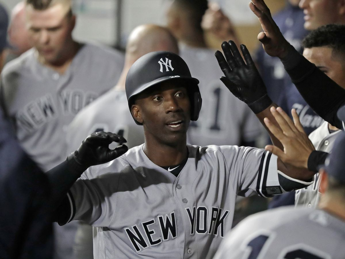AP source: McCutchen, Phillies agree to $50M, 3-year deal