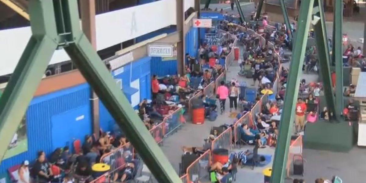PHOTOS: Hundreds wait in line at Aloha Stadium for Bruno Mars tickets