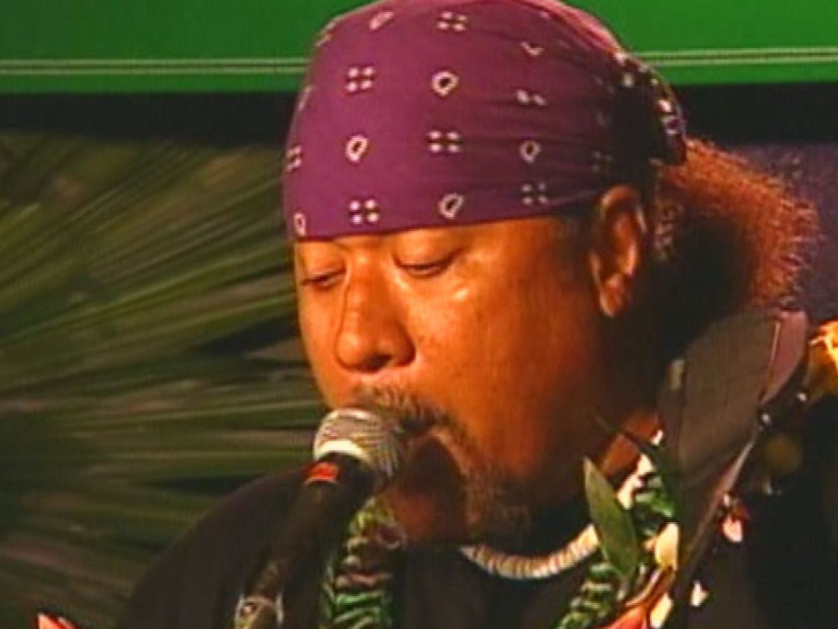 WATCH: Willie K. rocks the crowd in this full concert from 'Hot Hawaiian Nights'