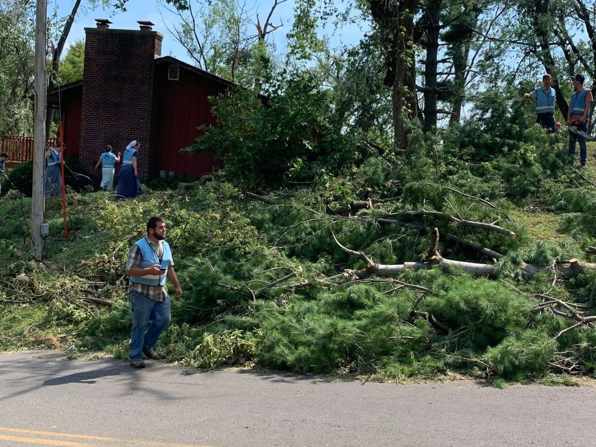 'A miracle': Cedar Rapids neighborhood grateful for surprise aid from volunteers