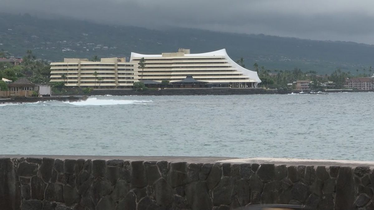 Hawaii's Royal Kona Resort to reopen after 7-month closure