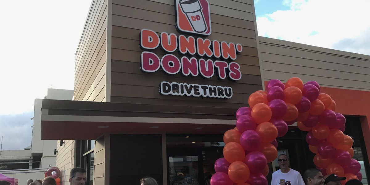 Hundreds flock to Dunkin' Donuts for grand opening in Hawaii