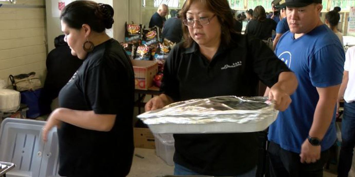 Volunteers warm lava evacuees' hearts — by filling their stomachs