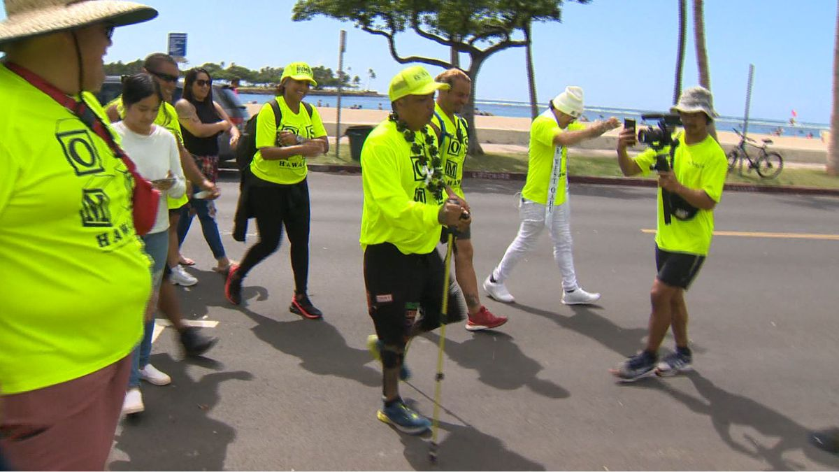 'Thank you, Oahu': Man completes his mission to walk the perimeter of the island