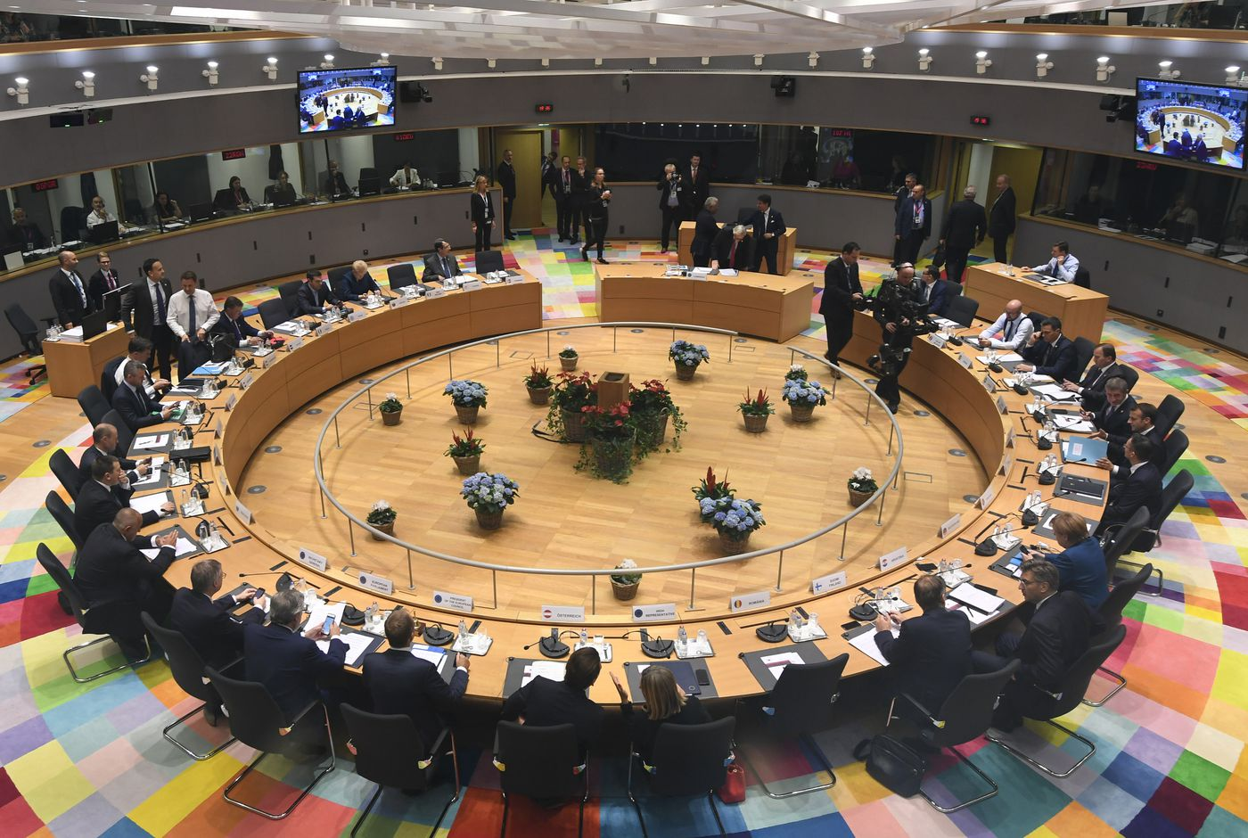 """European Union leaders attend a round table meeting at an EU summit in Brussels, Wednesday, Oct. 17, 2018. European Union leaders are converging on Brussels for what had been billed as a """"moment of truth"""" Brexit summit but which now holds little promise for a breakthrough. (Piroschka van de Wouw, Pool Photo via AP)"""