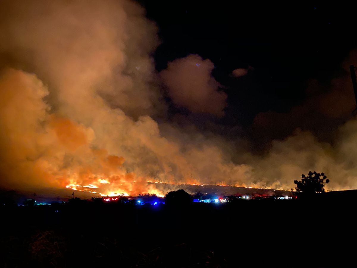 Several homes in Waianae evacuated as HFD battles large brush fire