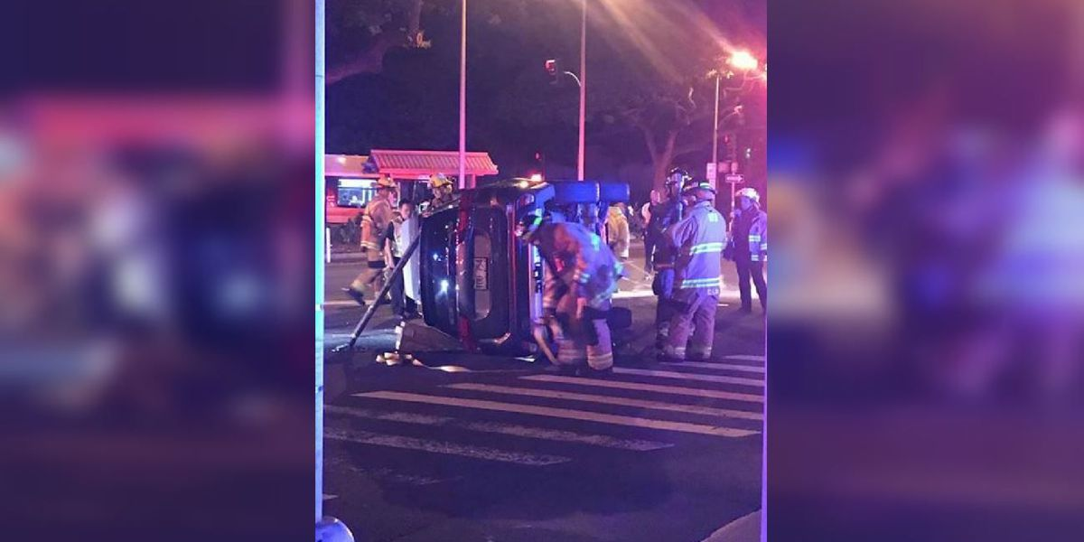 Kapiolani Blvd. reopens after vehicle ends up on its side