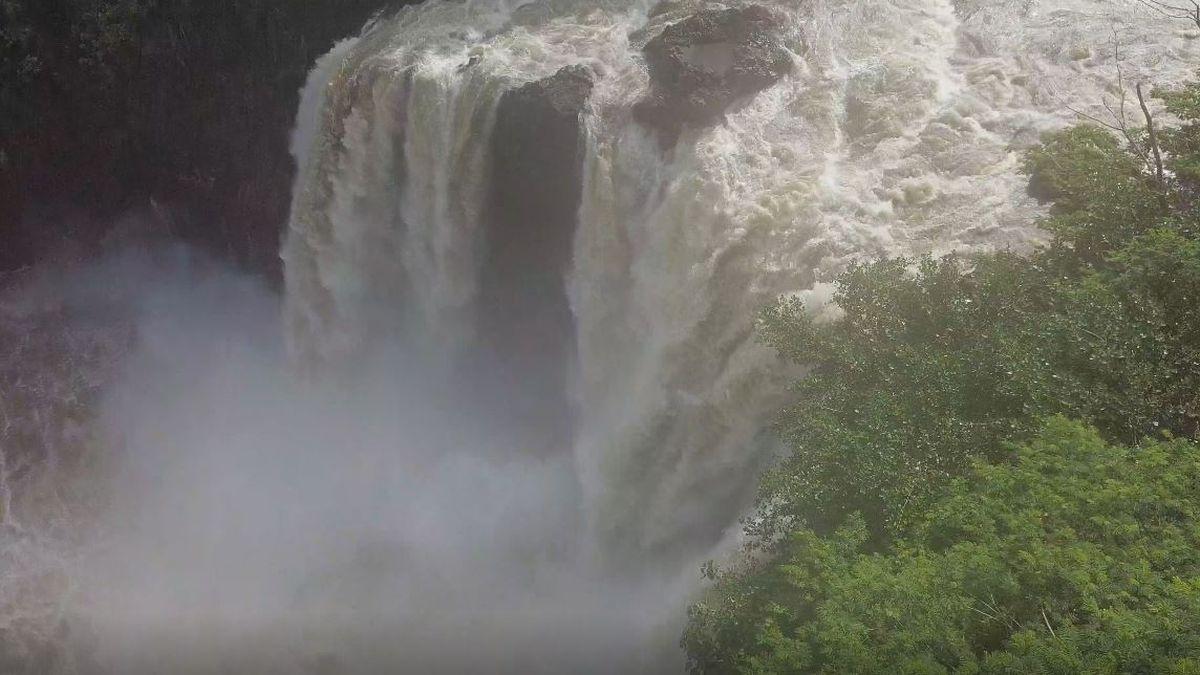 Big Island saw more than 2 1/2 feet of rain over the weekend