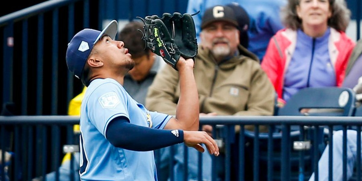 Kean Wong turns double play in Big League debut