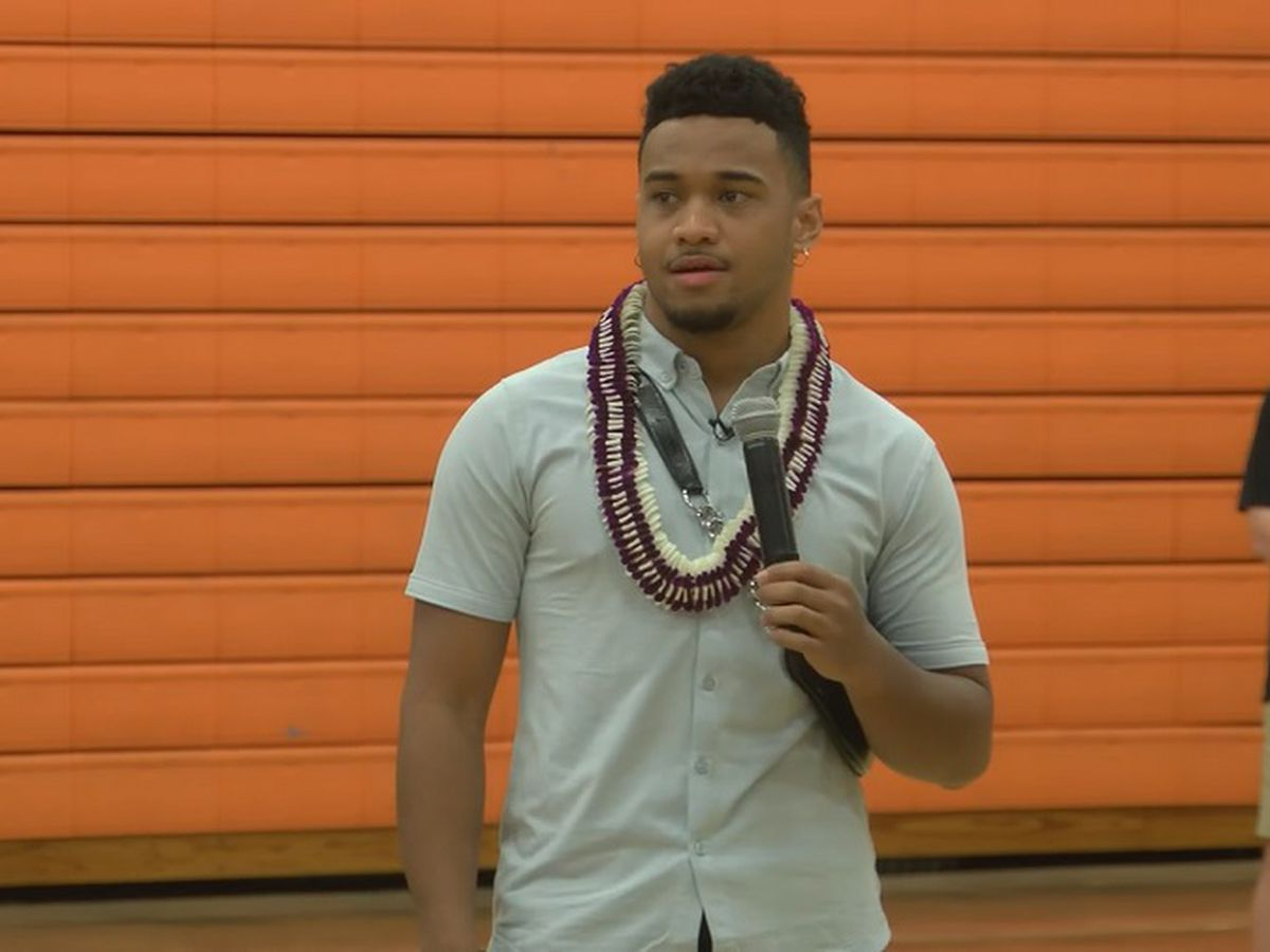 Tagovailoa among football stars in Hawaii for Polynesian Bowl