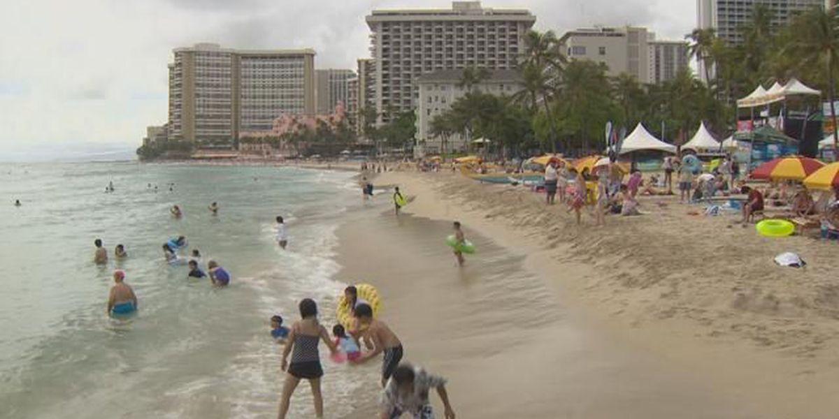 Man nearly drowns in Waikiki waters