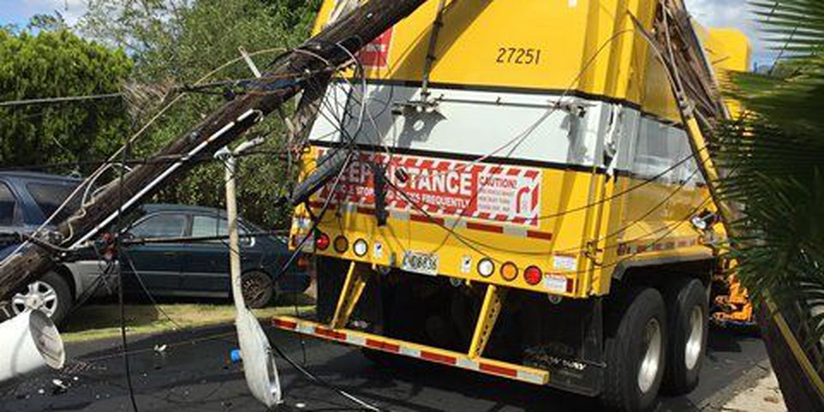 Garbage truck severely damages power line in Pearl City