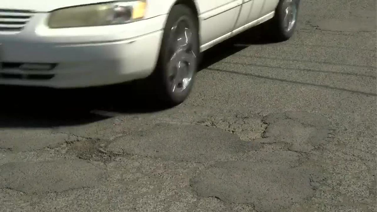 EPA to remove extremely high levels of lead buried under deteriorating Kalihi road
