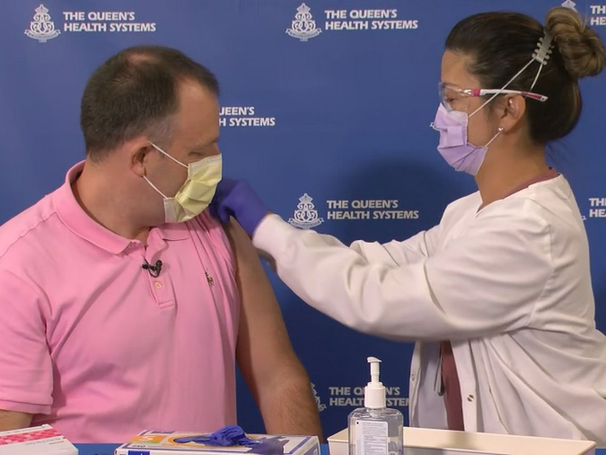 'It provides hope for us': Lt. Gov. Josh Green receives COVID-19 vaccine