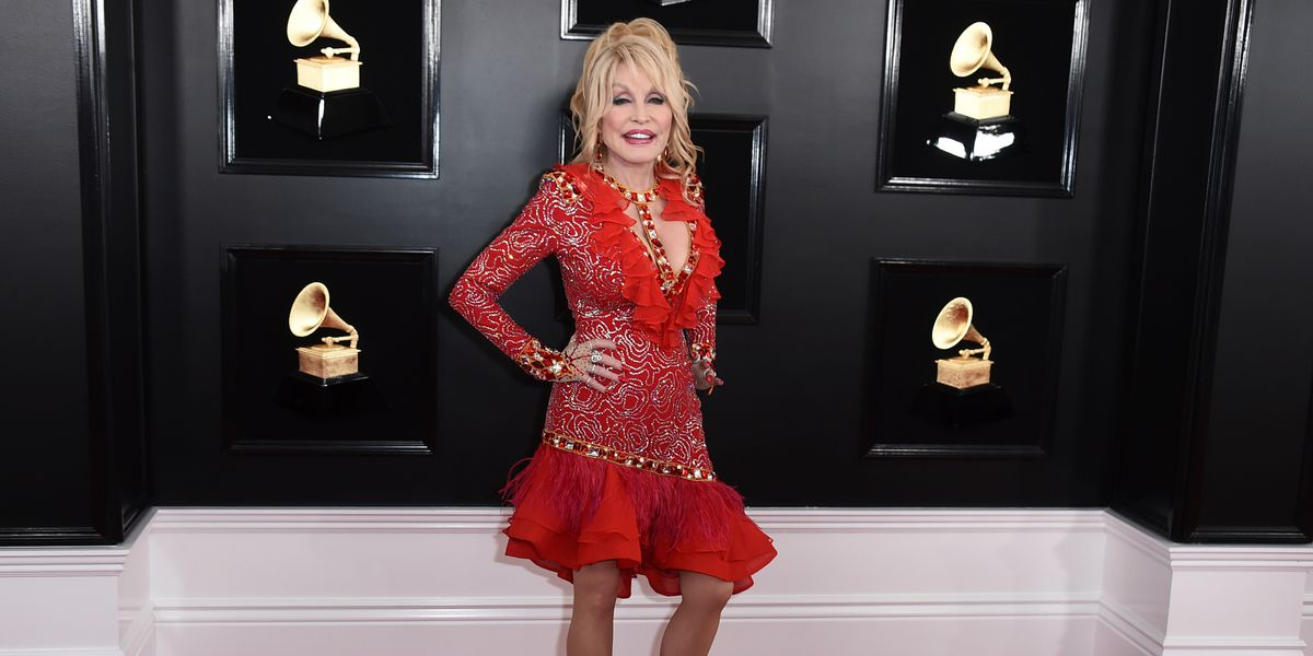 It's Dolly's Birthday! Here's 5 surprising connections Parton has to Hawaii