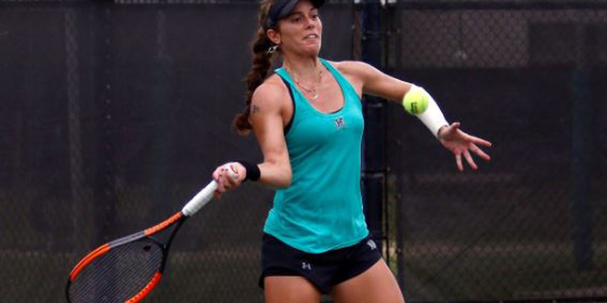 Wahine tennis upsets No. 1 UC Santa Barbara, advance to Big West title match