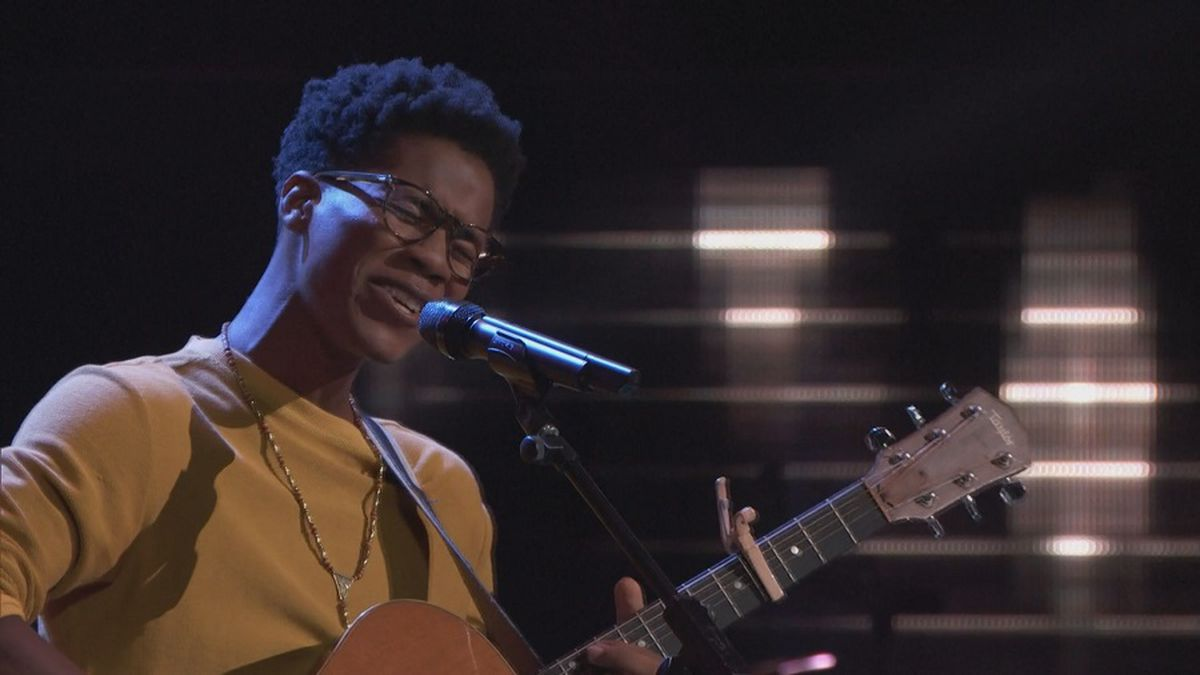 Hawaii singer turns all 4 coaches' chairs on 'The Voice'
