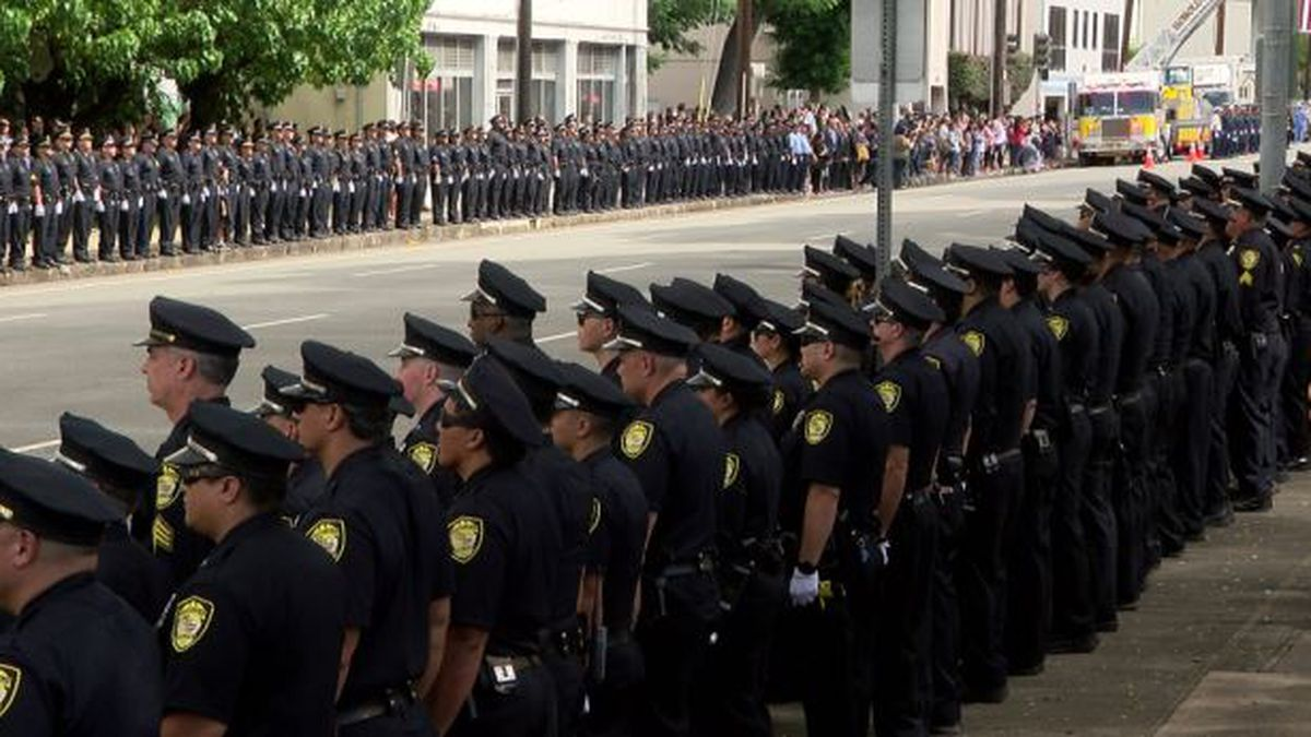 In somber ceremony, Honolulu's finest mark 'end of watch' for one of their own