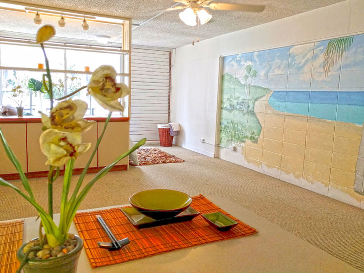 Mainland college students seek rentals in Hawaii. One realty company is apprehensive