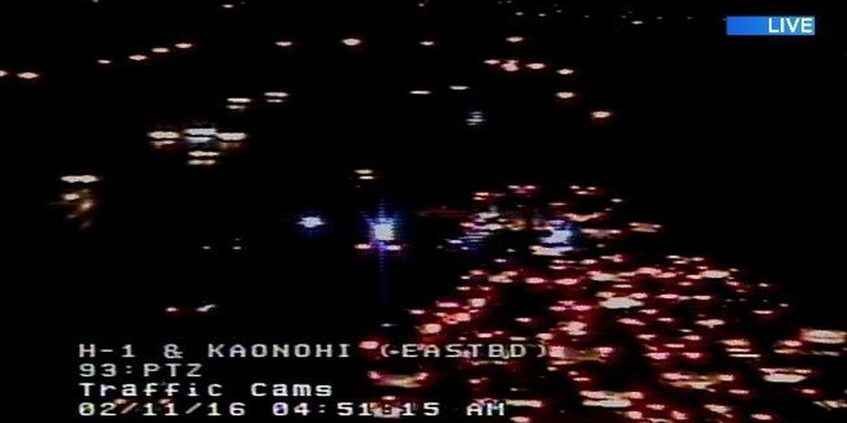 Police reopen all lanes of H-1 Freeway following accident